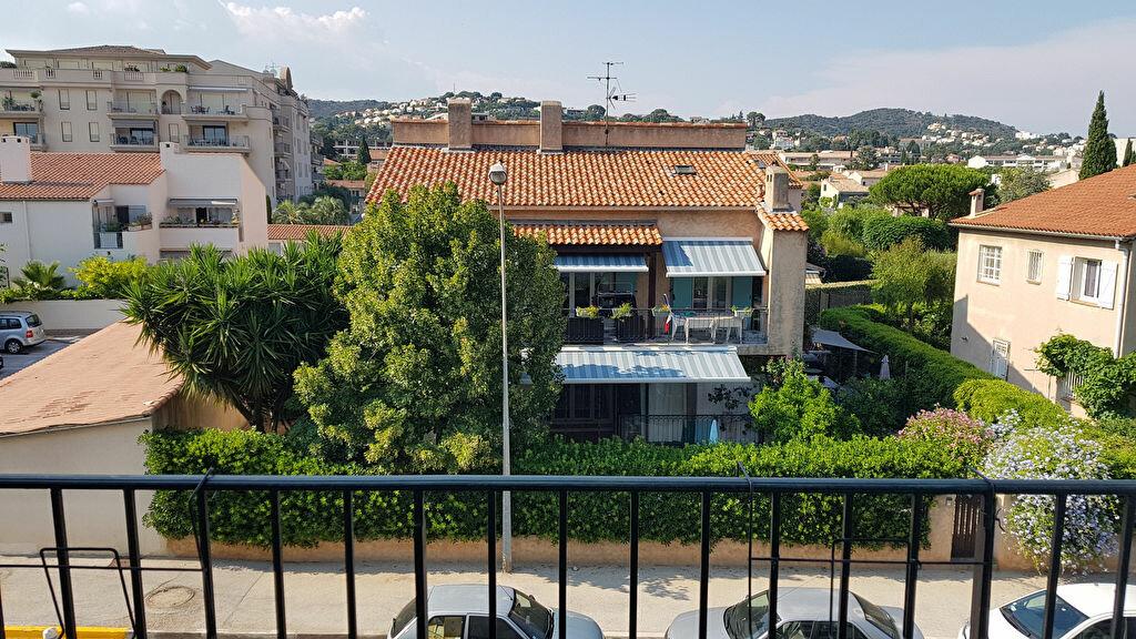 Appartement à louer 1 20.65m2 à Hyères vignette-2