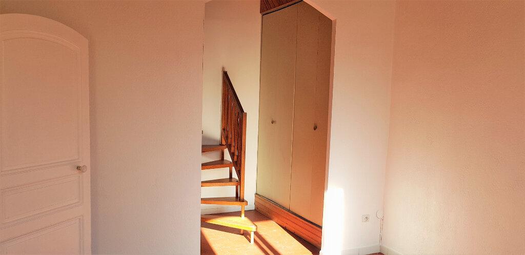 Appartement à louer 2 48m2 à Hyères vignette-3