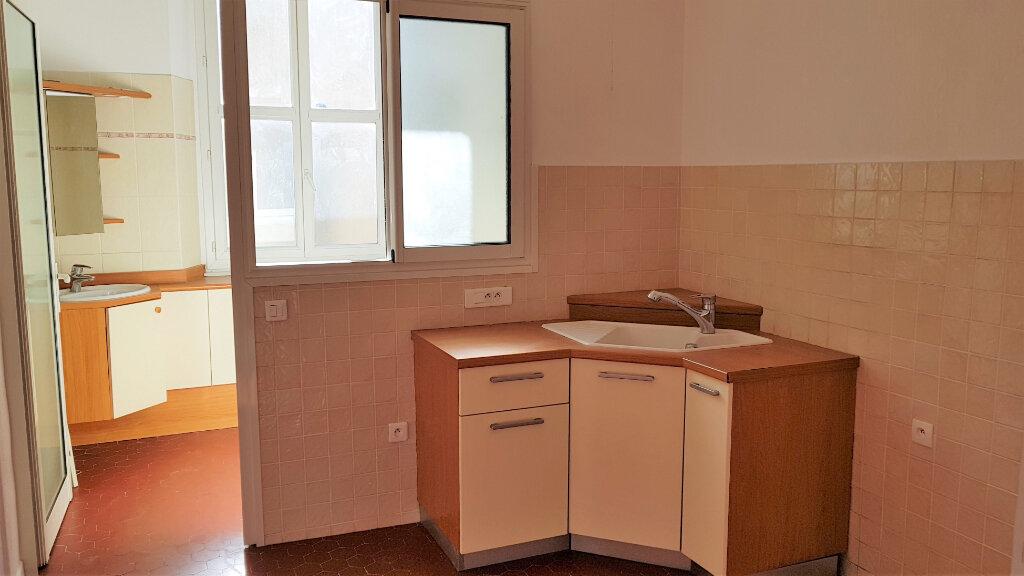 Appartement à louer 2 48m2 à Hyères vignette-4