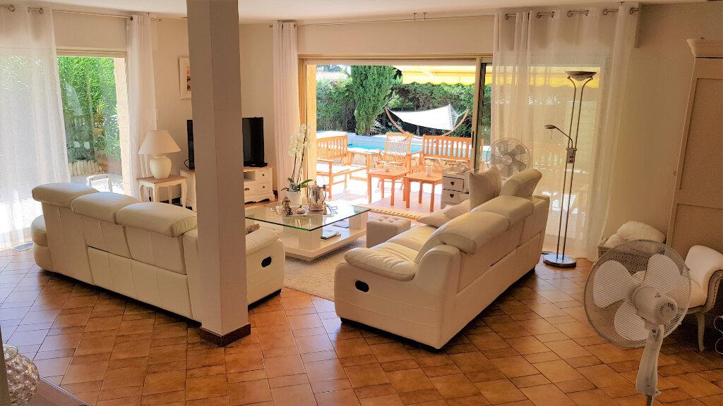 Maison à vendre 7 178.87m2 à Hyères vignette-7