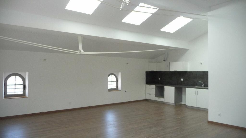 Appartement à louer 4 113m2 à Castres vignette-1
