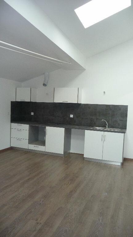 Appartement à louer 4 113m2 à Castres vignette-2