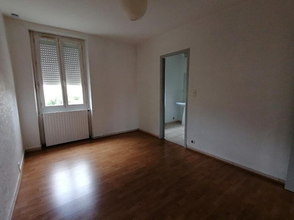 Appartement à louer 2 30m2 à Castres vignette-2