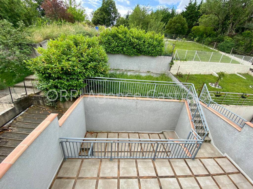 Maison à louer 4 119m2 à Castres vignette-2