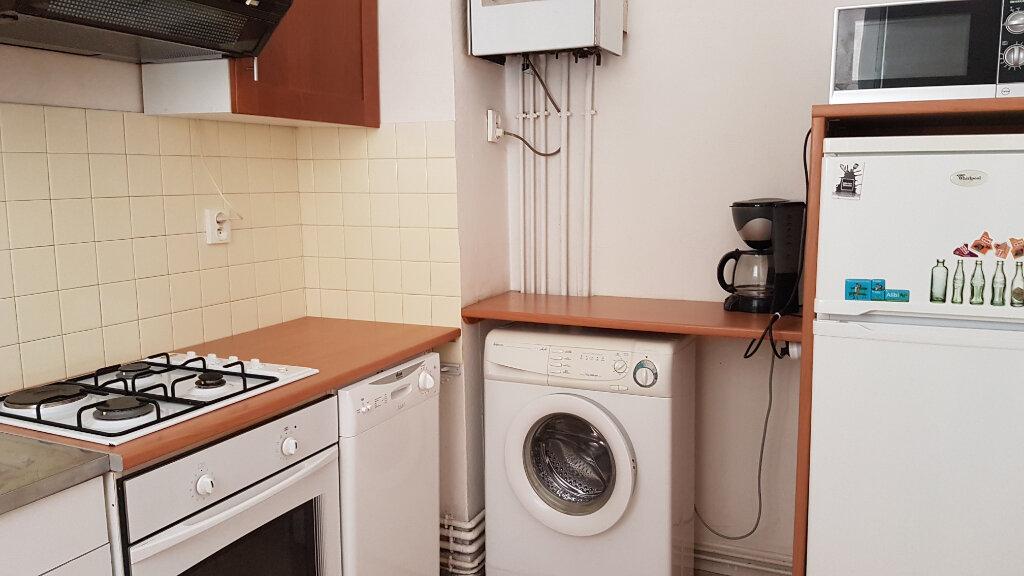 Appartement à louer 2 47m2 à Castres vignette-3