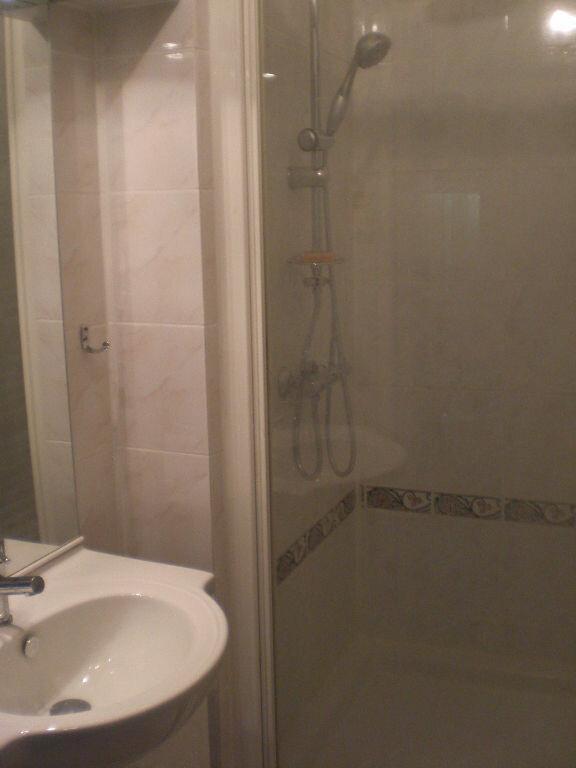 Appartement à louer 1 33m2 à Castres vignette-4