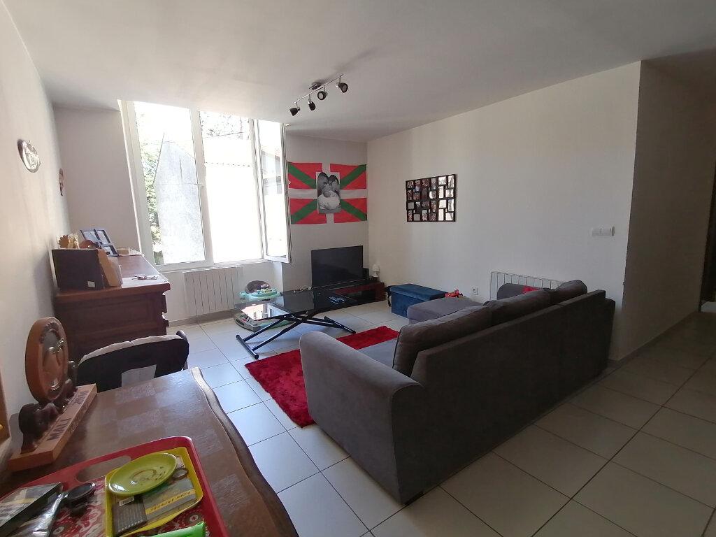 Appartement à louer 3 69m2 à Mazamet vignette-2
