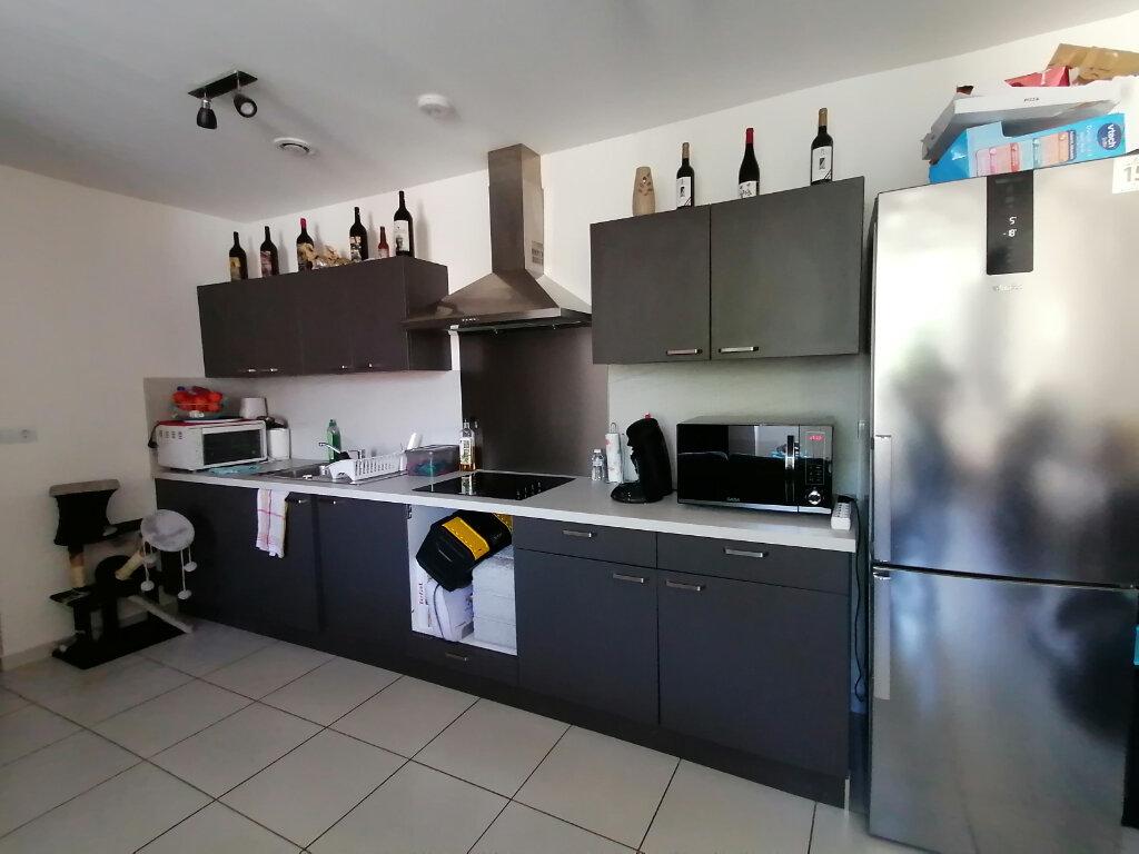 Appartement à louer 3 69m2 à Mazamet vignette-3