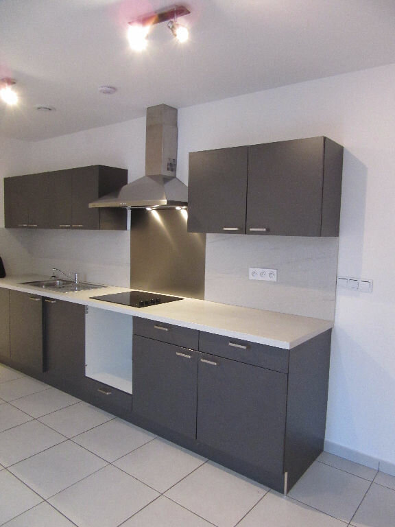 Appartement à louer 3 69m2 à Mazamet vignette-5