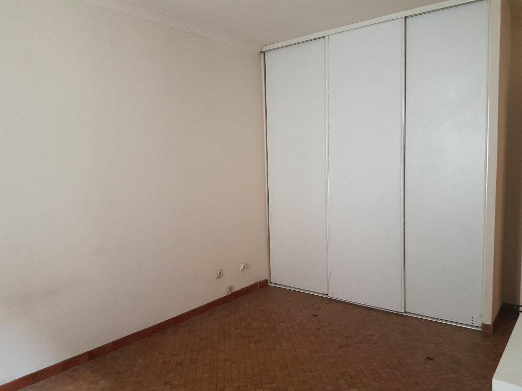 Appartement à louer 3 49.93m2 à Castres vignette-3
