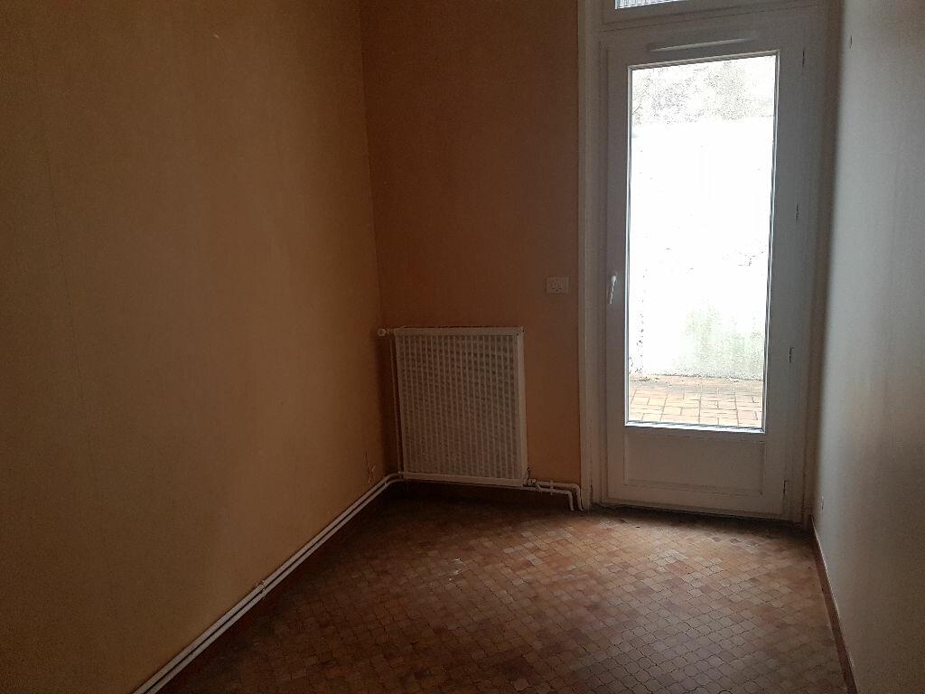 Appartement à louer 3 49.93m2 à Castres vignette-4