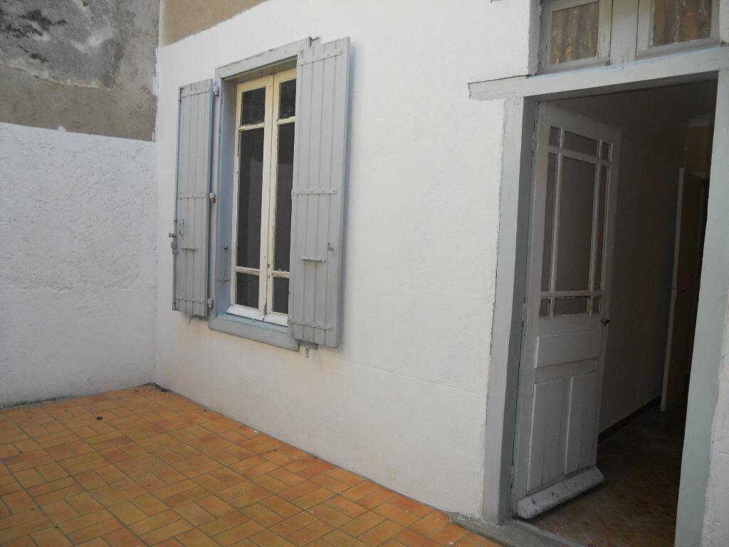 Appartement à louer 3 49.93m2 à Castres vignette-5