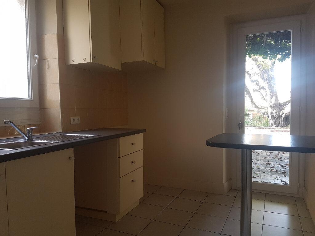 Appartement à louer 2 54m2 à Castres vignette-5