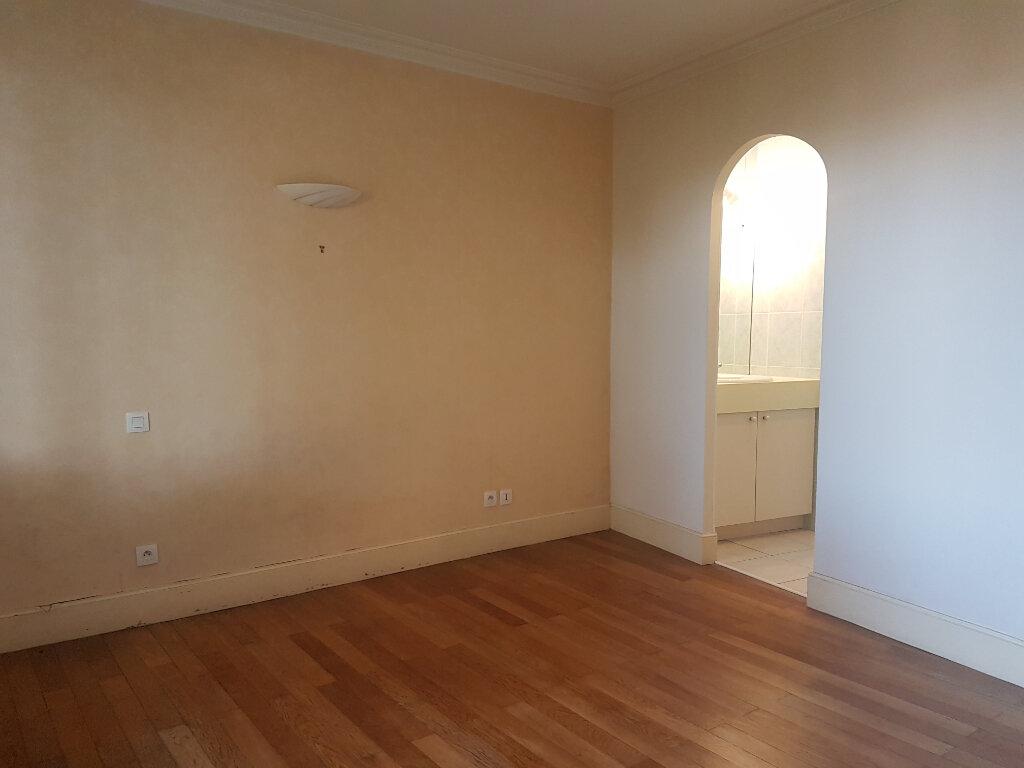 Appartement à louer 2 54m2 à Castres vignette-6