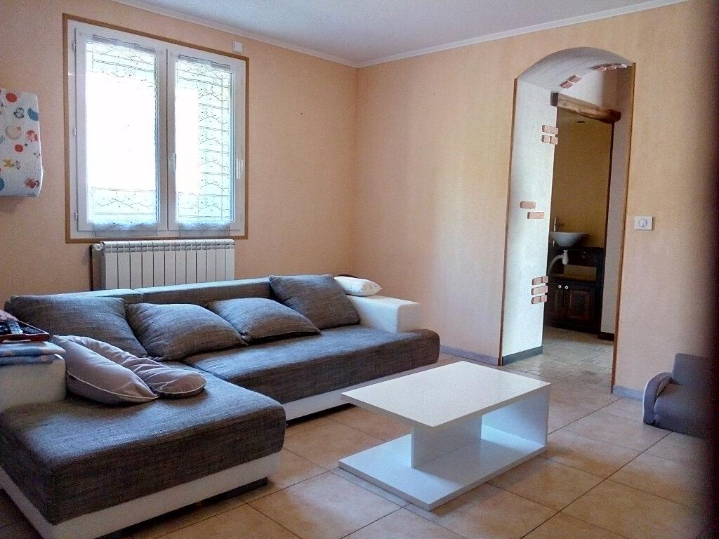 Maison à louer 5 137m2 à Lacrouzette vignette-4
