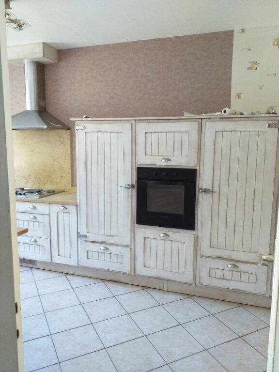 Maison à louer 5 109m2 à Labruguière vignette-2