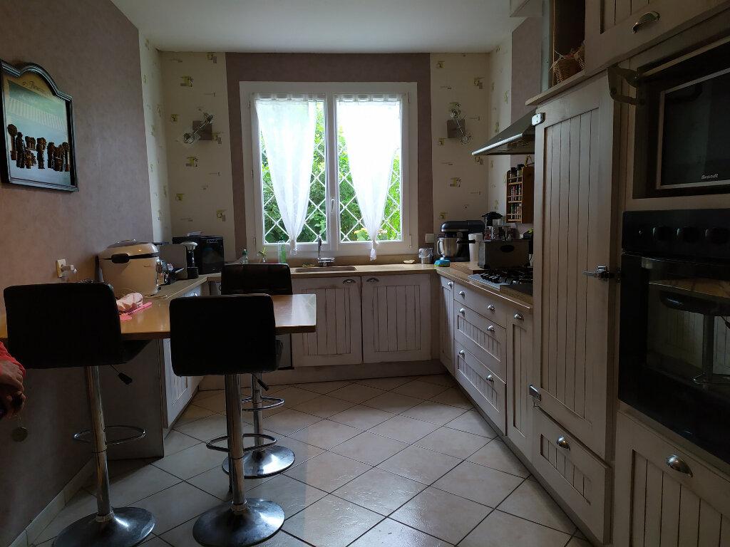 Maison à louer 5 109m2 à Labruguière vignette-4