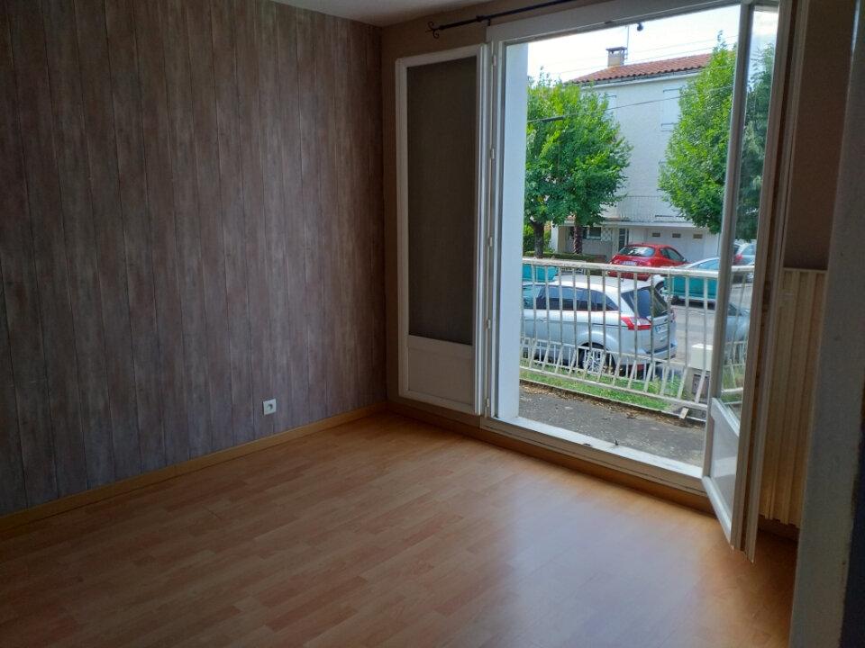 Maison à louer 5 109m2 à Labruguière vignette-5
