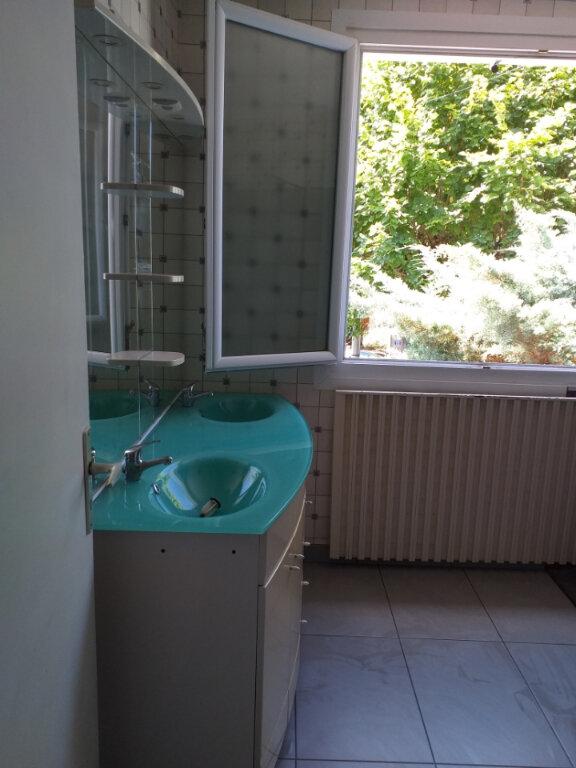 Maison à louer 5 109m2 à Labruguière vignette-7