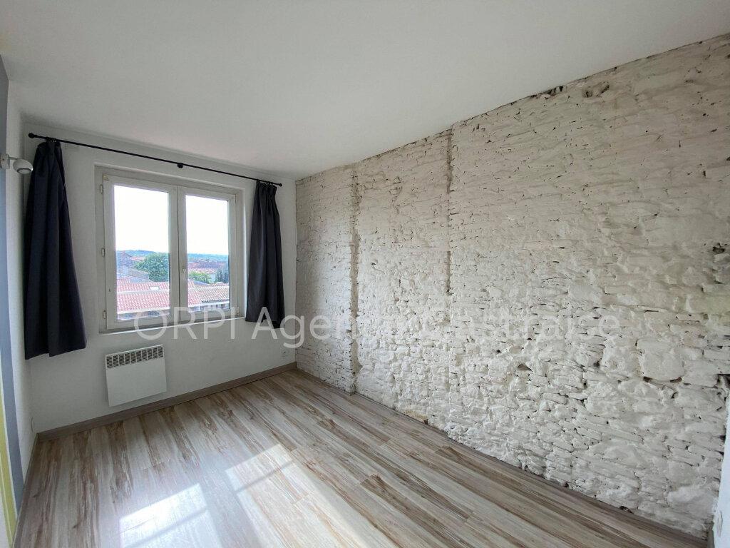 Appartement à louer 5 87.27m2 à Castres vignette-5