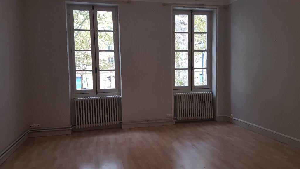Appartement à louer 4 141m2 à Castres vignette-1
