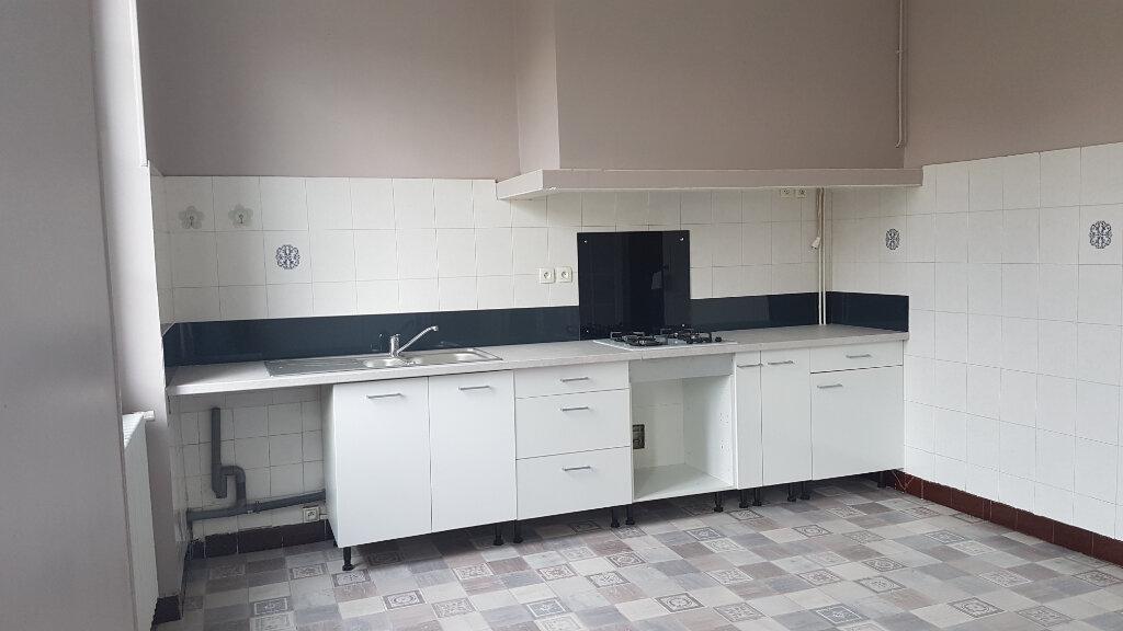 Appartement à louer 4 141m2 à Castres vignette-4