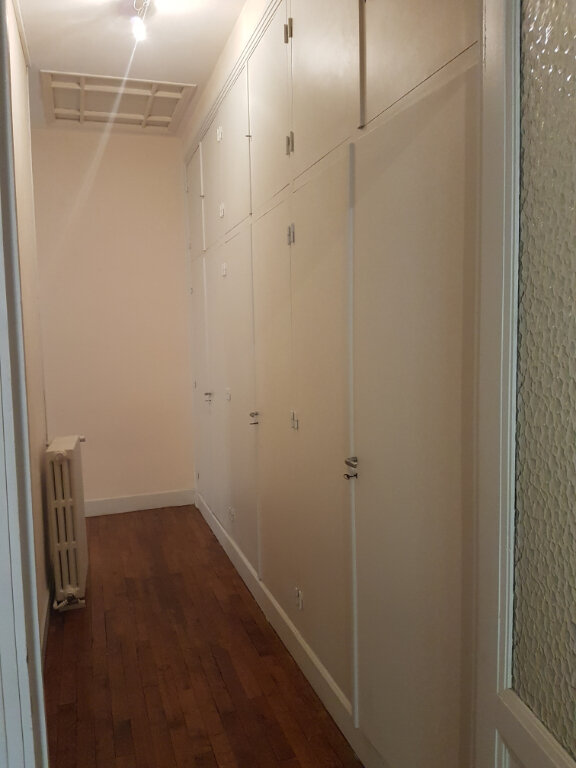 Appartement à louer 4 141m2 à Castres vignette-5