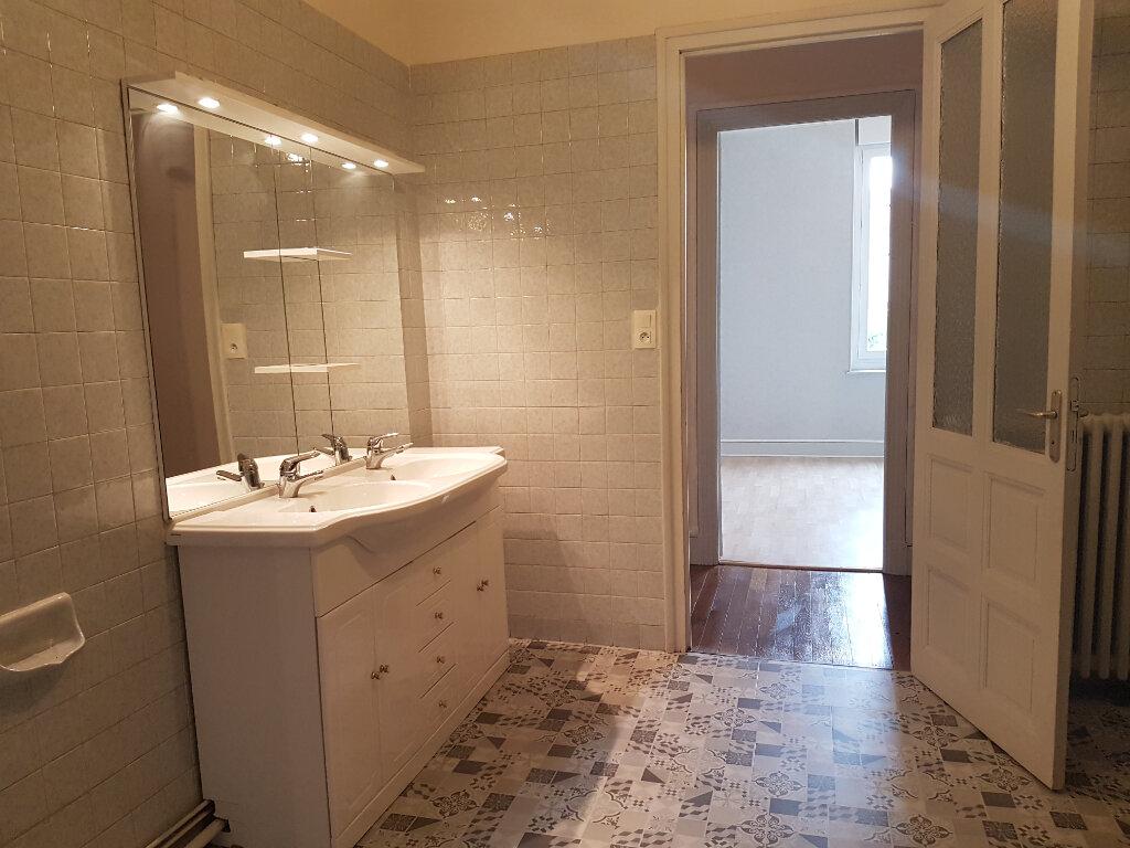 Appartement à louer 4 141m2 à Castres vignette-6