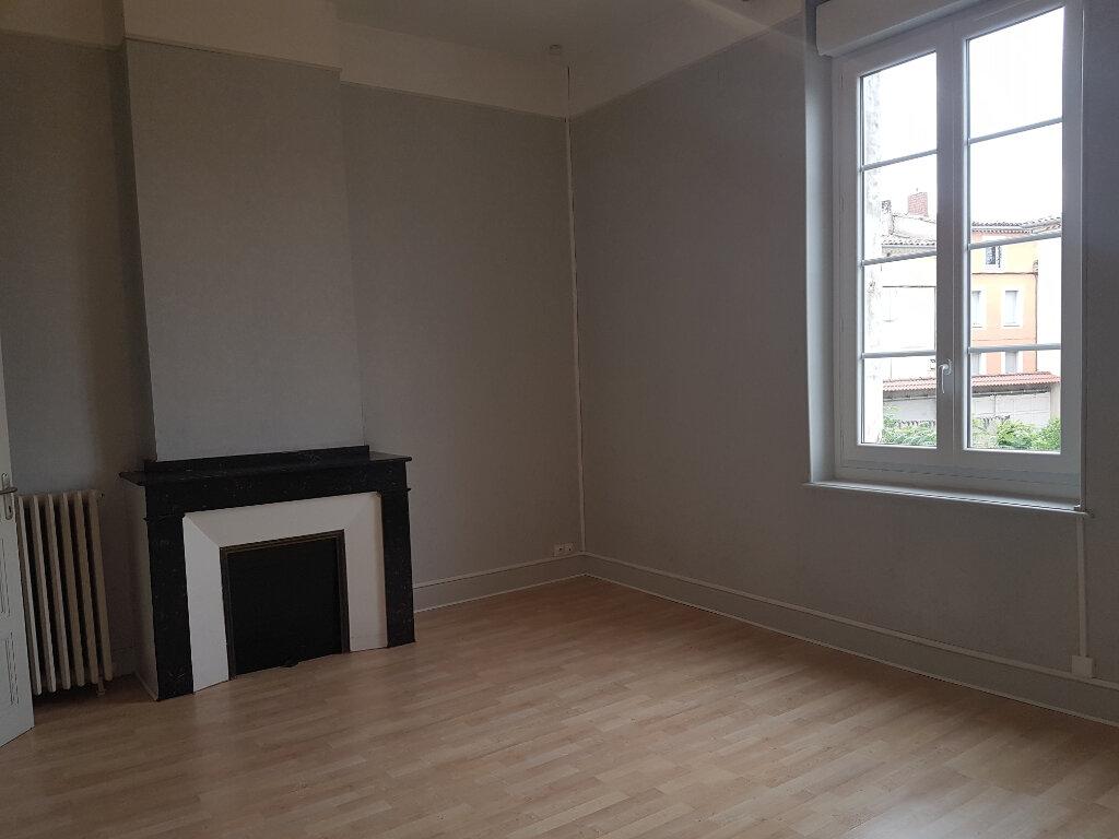 Appartement à louer 4 141m2 à Castres vignette-7