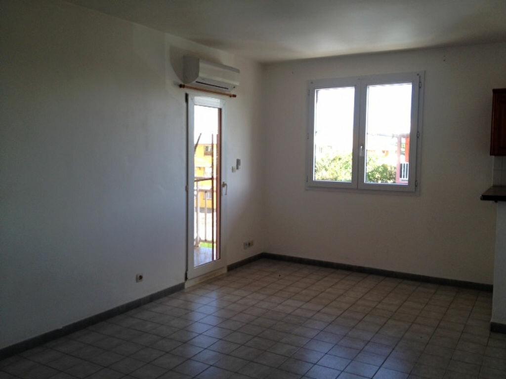 Appartement à louer 2 45m2 à Remire-Montjoly vignette-5