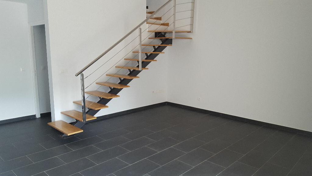 Appartement à louer 3 78.4m2 à Matoury vignette-2