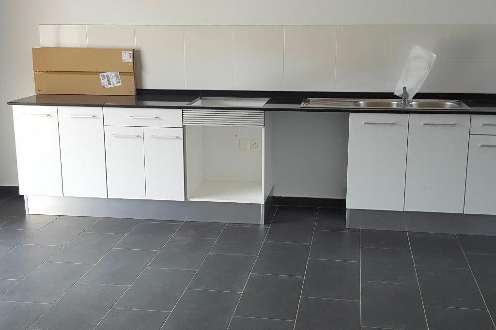 Appartement à louer 3 78.4m2 à Matoury vignette-7