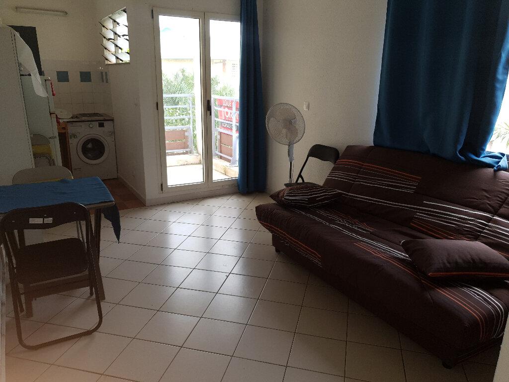 Appartement à louer 1 20.5m2 à Cayenne vignette-1