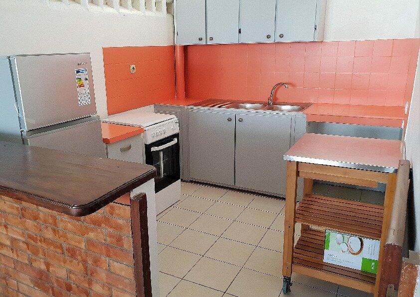 Appartement à louer 3 55m2 à Cayenne vignette-2