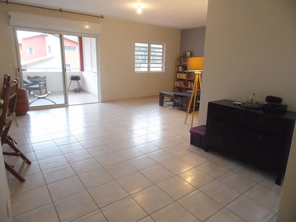 Appartement à vendre 3 97.5m2 à Remire-Montjoly vignette-5