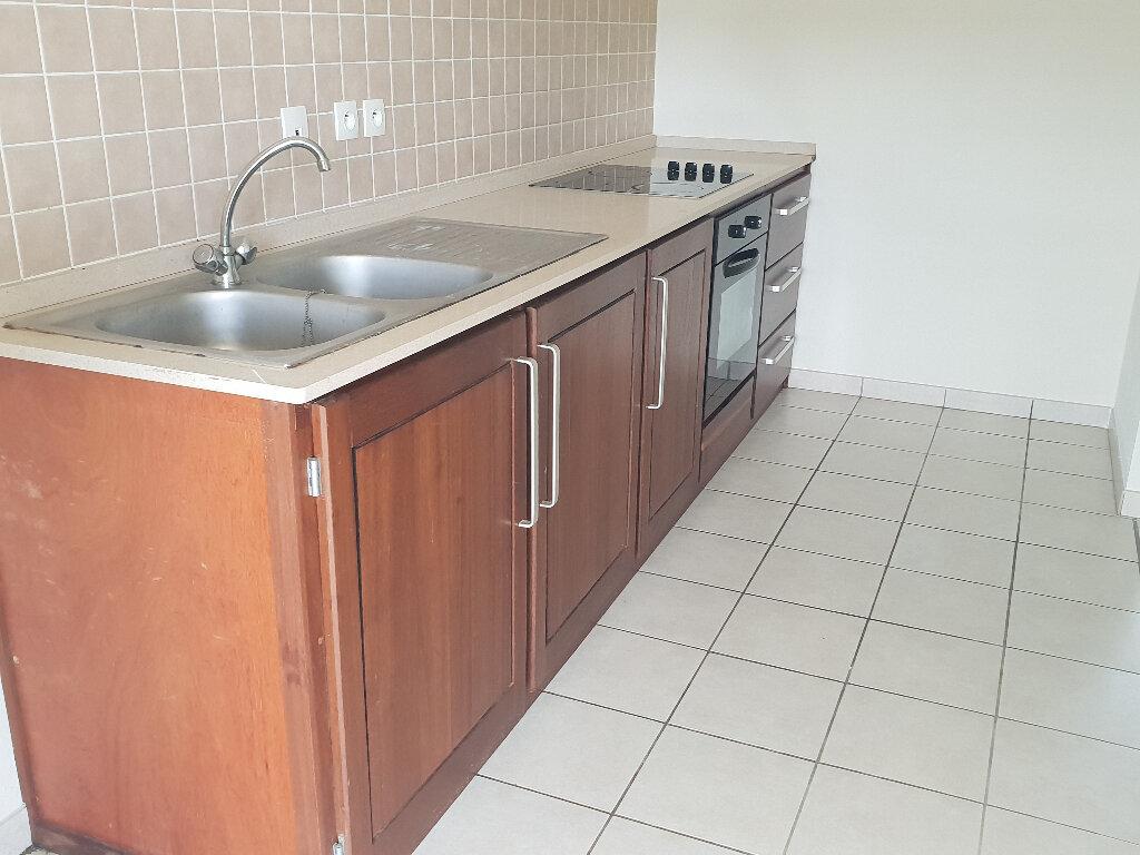 Appartement à louer 3 67.04m2 à Cayenne vignette-4