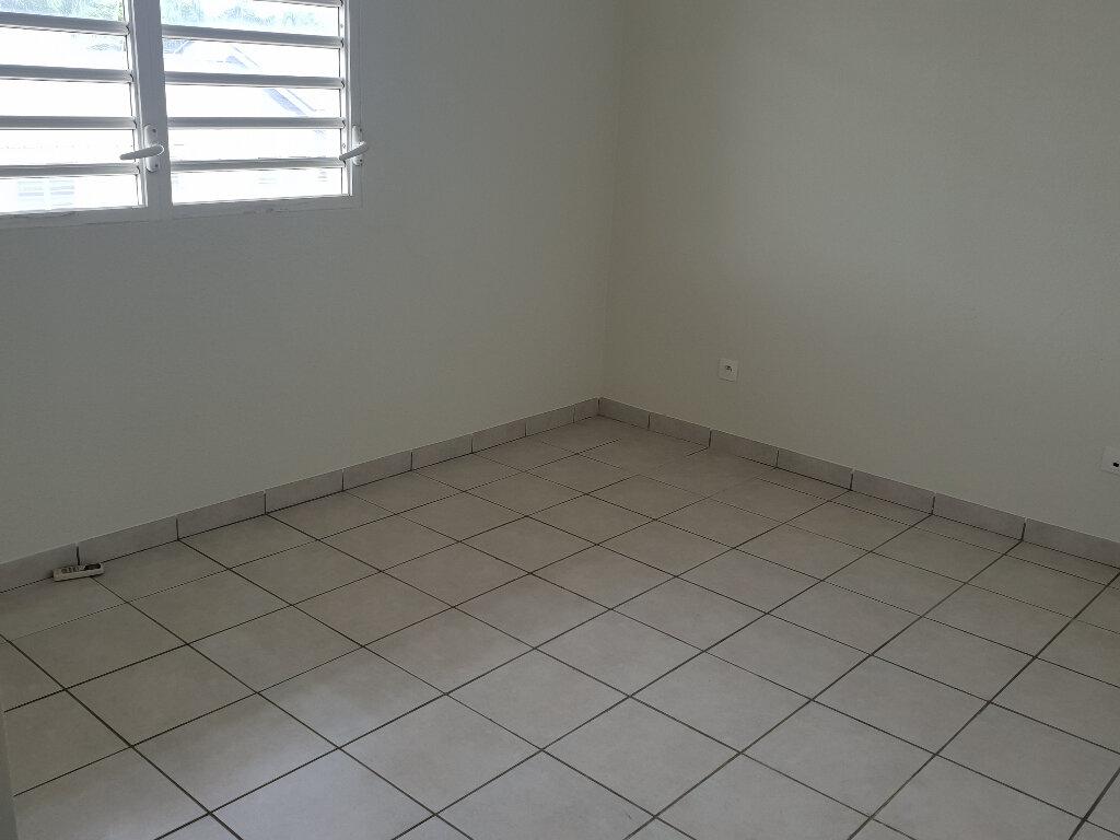 Appartement à louer 3 67.04m2 à Cayenne vignette-5