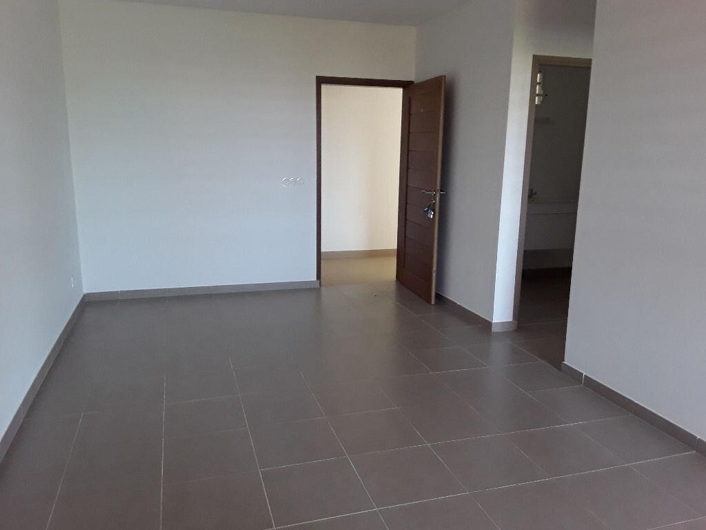 Appartement à louer 2 39.68m2 à Remire-Montjoly vignette-2