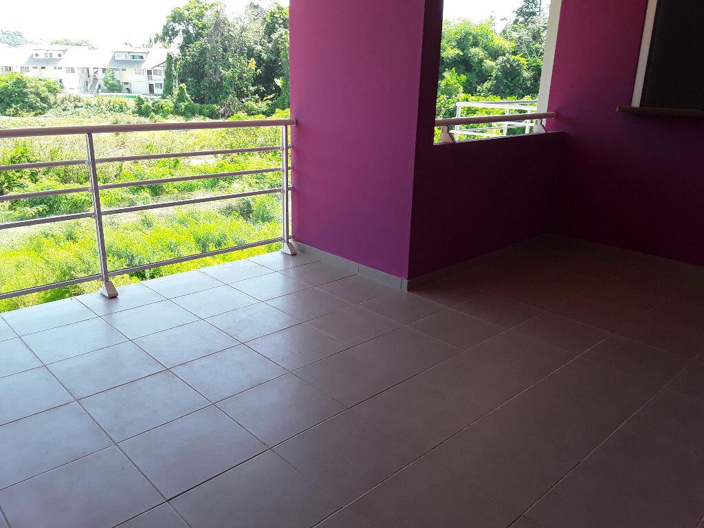 Appartement à louer 2 39.68m2 à Remire-Montjoly vignette-5