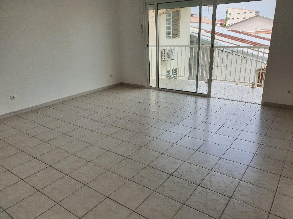 Appartement à louer 2 48m2 à Cayenne vignette-1