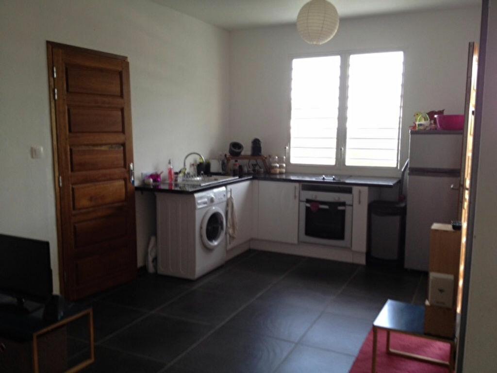 Appartement à louer 2 50m2 à Remire-Montjoly vignette-5