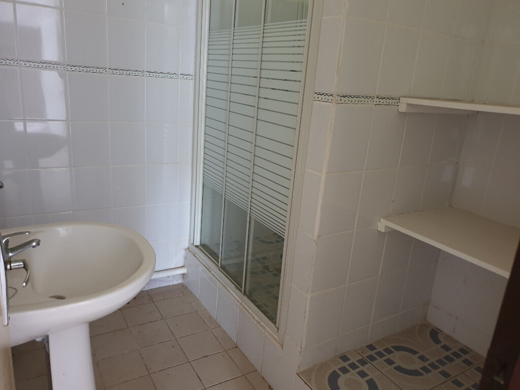 Appartement à louer 2 37.52m2 à Cayenne vignette-5