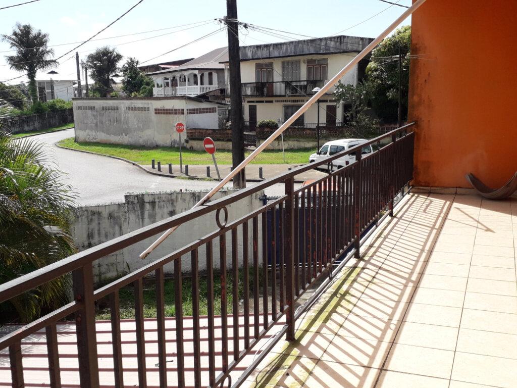 Immeuble à vendre 0 142m2 à Cayenne vignette-6