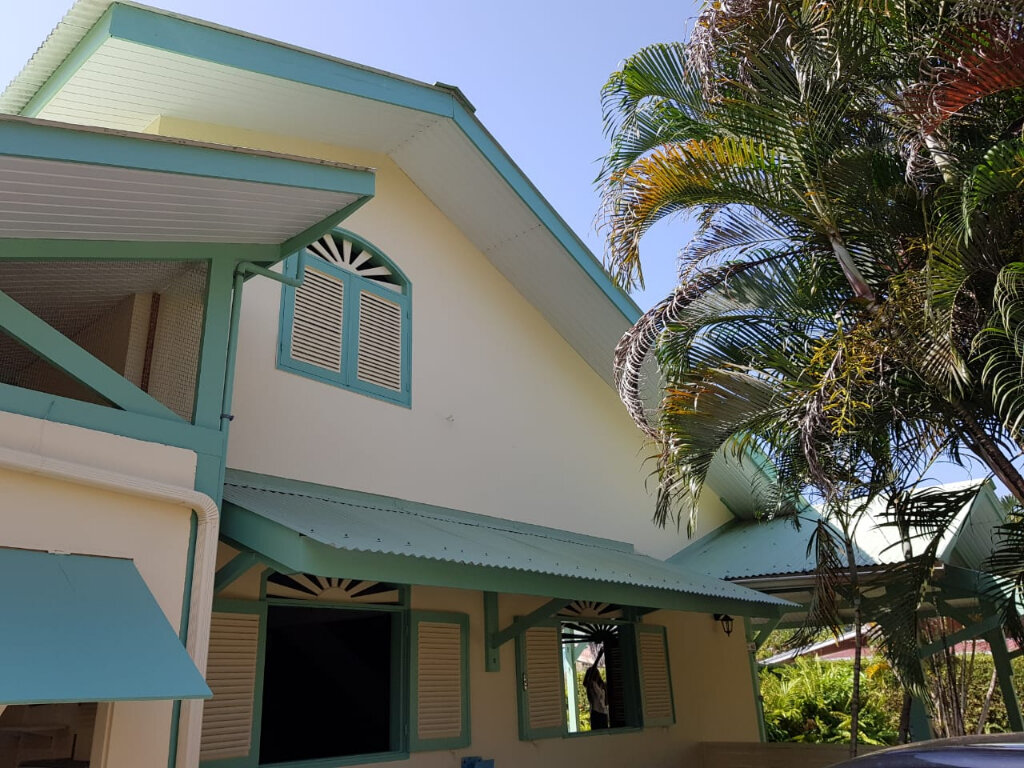 Maison à vendre 4 141m2 à Cayenne vignette-4