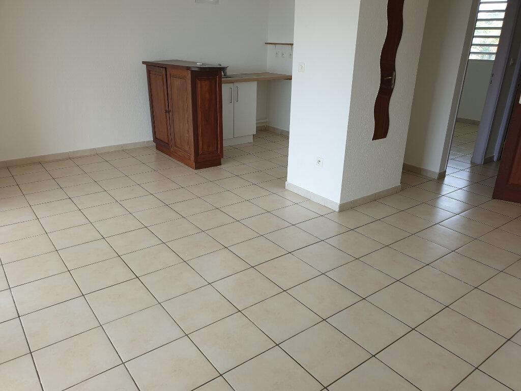 Appartement à louer 2 52.8m2 à Cayenne vignette-3