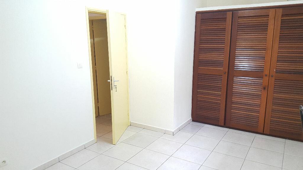 Appartement à louer 2 38.35m2 à Cayenne vignette-2