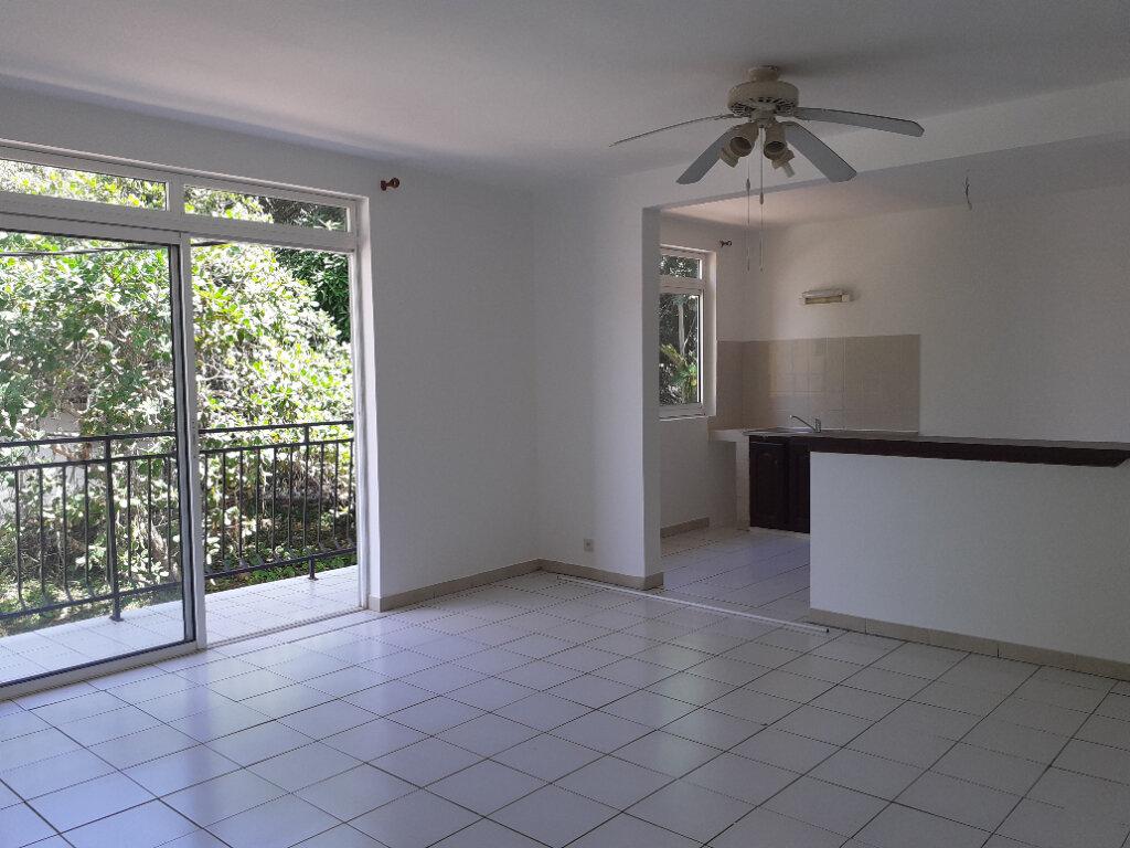 Appartement à louer 3 66.23m2 à Cayenne vignette-1