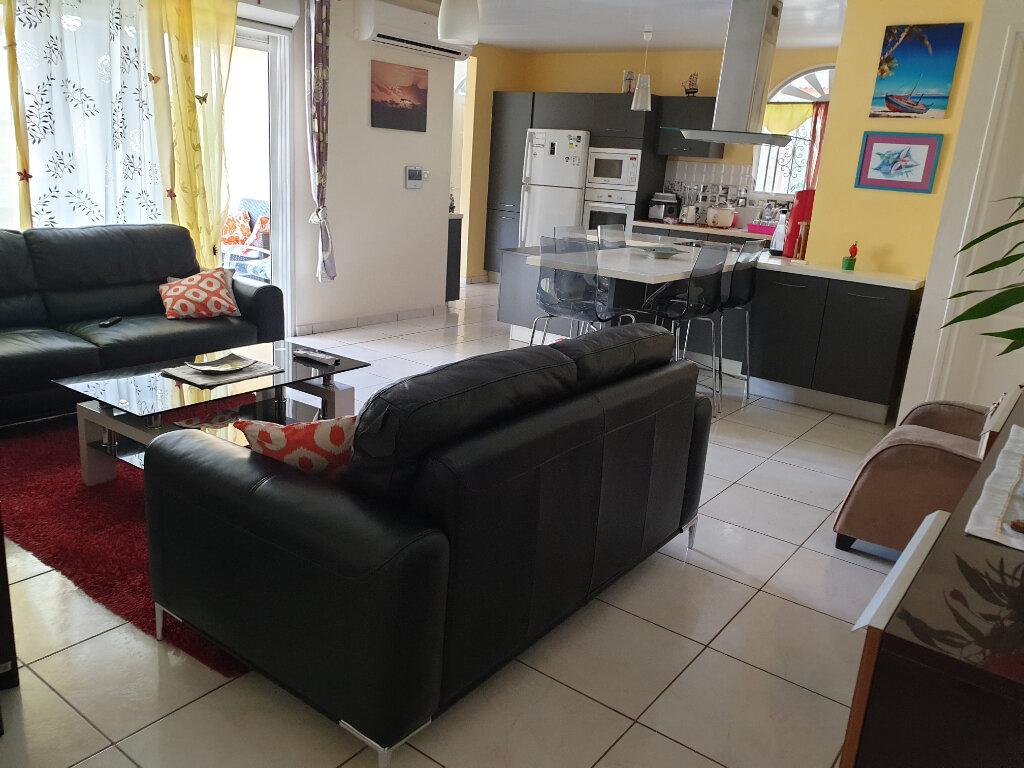 Maison à louer 4 80m2 à Matoury vignette-1