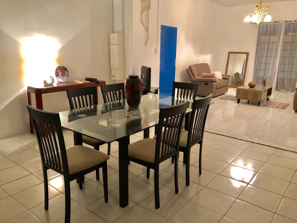 Maison à louer 4 125m2 à Remire-Montjoly vignette-2