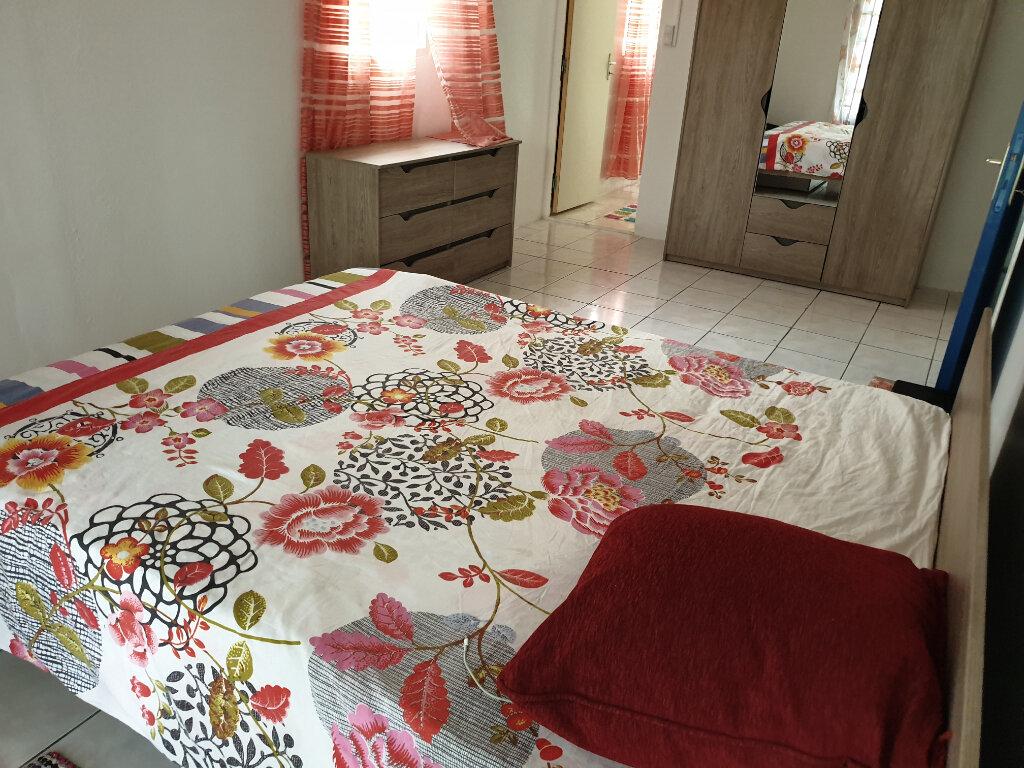 Maison à louer 4 125m2 à Remire-Montjoly vignette-4